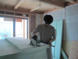 床下断熱材施工